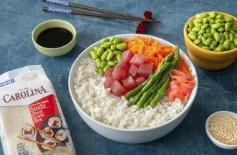 Sticky Rice Tuna Poke Bowl with Edamame, carrots and asparagus