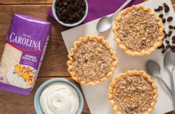 sweet-mini-pies-with-raisin-and-jasmime-rice