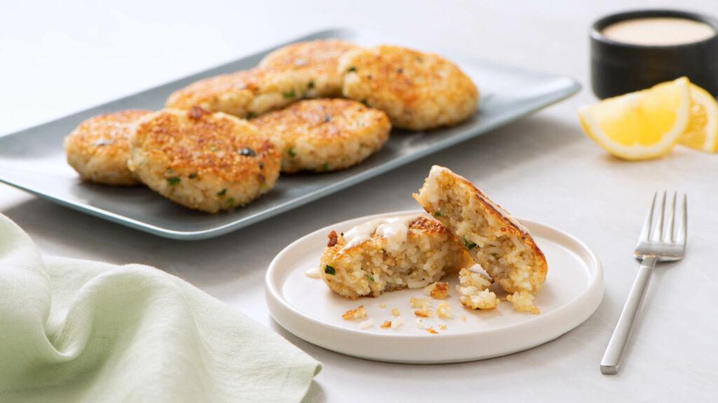 Quinoa and Jasmine Rice Cakes with Garlic and Lemon Aioli