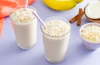 Milkshake with basmati rice pudding, coconut and cinnamon sticks