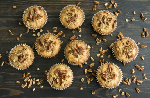 Rice Muffins with pecans and onion