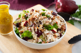 Chicken-and-kale-rice-salad-with-wild-rice-and-apples