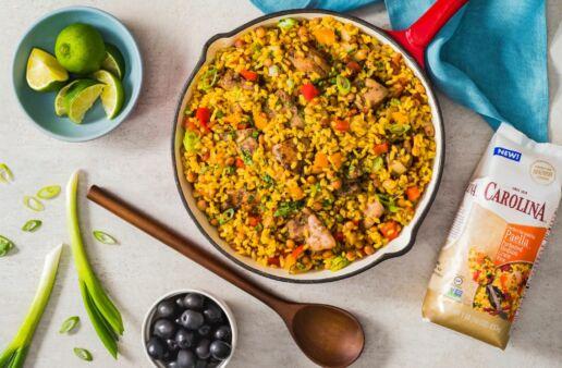 caribbean-style-jerk-chicken-paella-with-pigeon-peas
